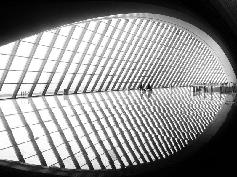 He Zhenhuan's photograph of Chongqing Railway Station in China