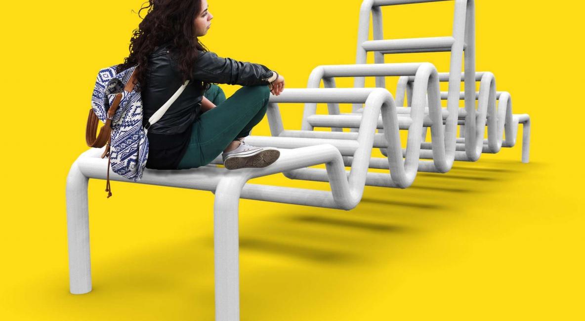 Estudante brasileira ganha prêmio de design com mobiliário urbano para evitar suicídio
