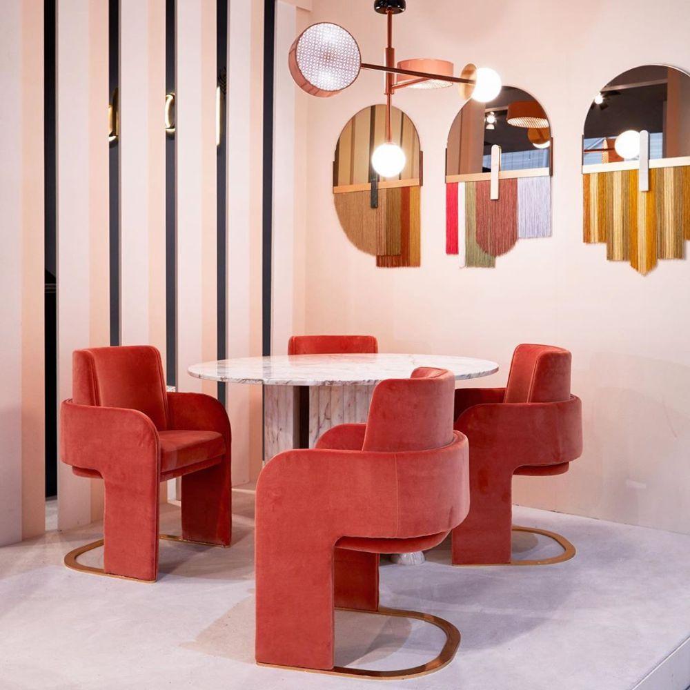 Cadeiras The Odissey, da Dooq, na Maison&Objet. Foto: Reprodução/ Instagram