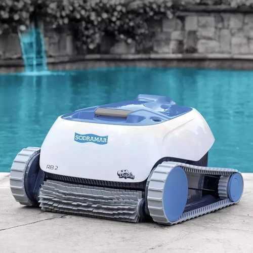 Robôs inteligentes varrem, aspiram, passam pano e limpam até a piscina a partir de R$ 350