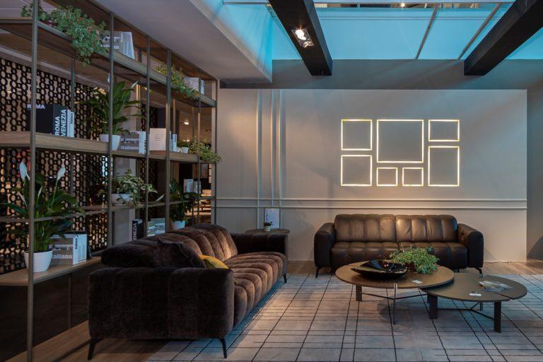 Sofá Portento, da Natuzzi Editions, é um dos sofás certificados por garantirem uma experiência de conforto única segundo selo Human-Centered Design da Ergocert. Foto: divulgação