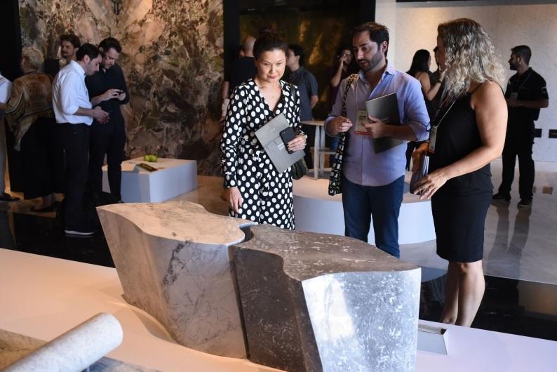 Feira internacional do mármore e granito reúne peças de design incríveis feitas com pedras naturais brasileiras
