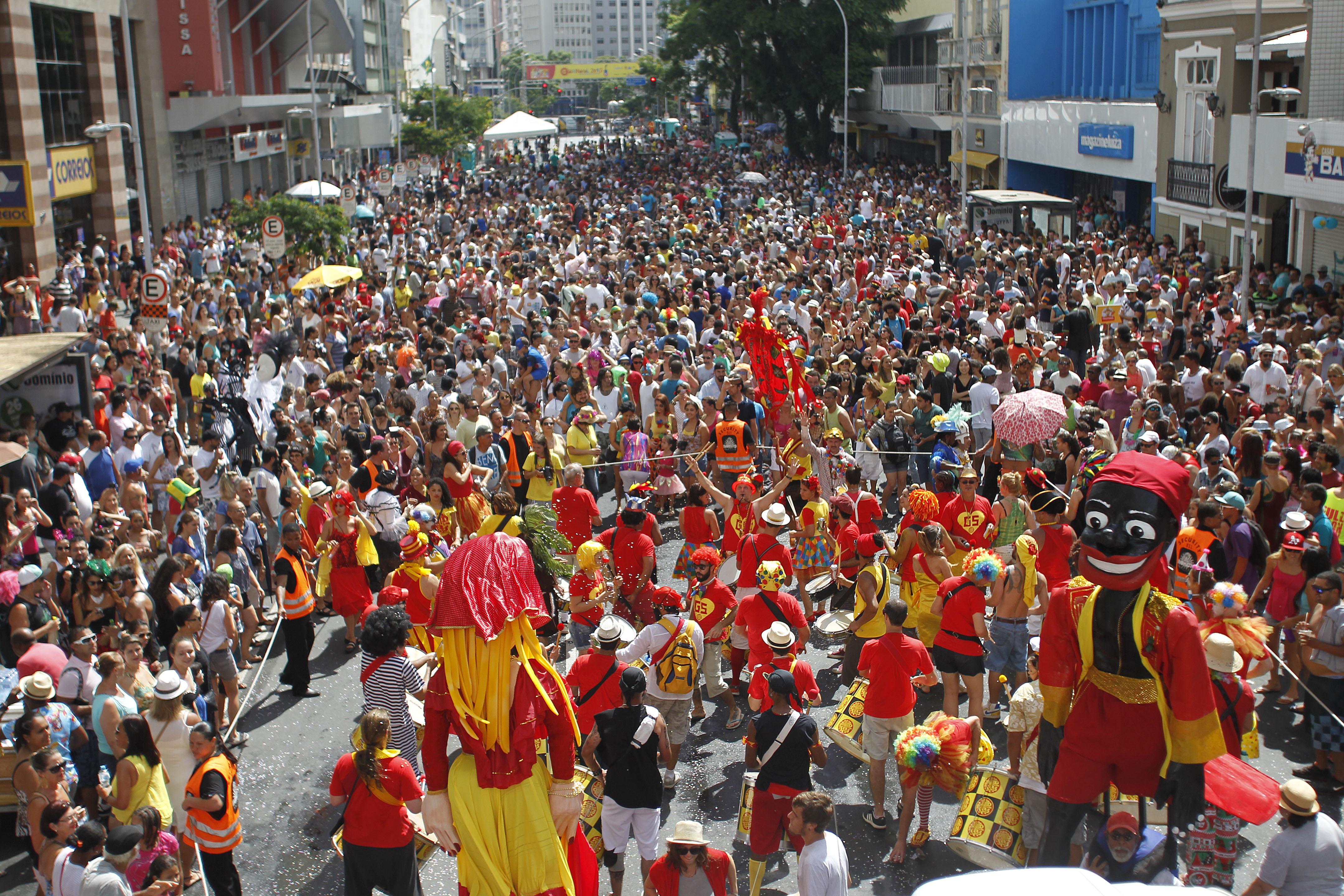 Carnaval: a festa que coloca a cidade a serviço das pessoas