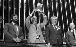 """A Constituição """"besteirol"""" completa 25 anos"""