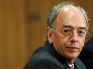 Parente diz que governo não vai mais interferir nos preços da Petrobras