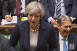 """Theresa May """"lacra"""" trabalhista fanfarrão: a esquerda não cansa de apanhar?"""