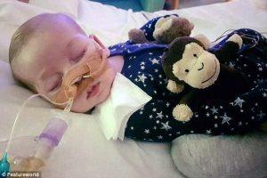 Corte na Europa decide matar bebê doente, apesar de luta dos pais