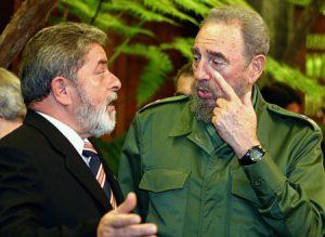 """Enquanto PT """"flerta"""" com ditadura, colunista da Folha """"flerta"""" com ingenuidade"""