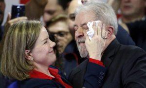 PGR denuncia Gleisi Hoffmann e pede que devolva R$ 3 milhões: a estatura da presidente do PT