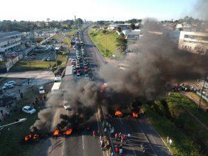 Associação Médica Brasileira emite nota preocupada com greve dos caminhoneiros
