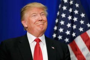 """Aprovação de Trump sobe e expõe abismo entre elite """"progressista"""" e povo"""
