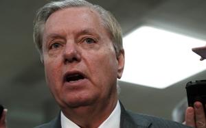 Senador republicano pede que Trump reabra governo temporariamente para permitir negociações