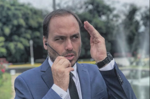 """O problema não é Bolsonaro usar as redes sociais, mas como """"ele"""" as usa!"""