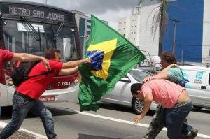 A derrota das bandeiras vermelhas