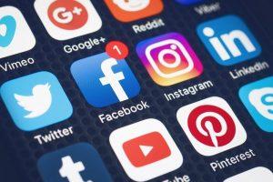 A incômoda maioria que fala nas redes sociais