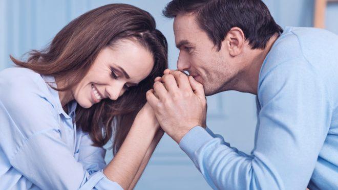 Diálogo, perdão e encorajamento mútuo são alguns dos conselhos dados por casais que têm um casamento duradouro.