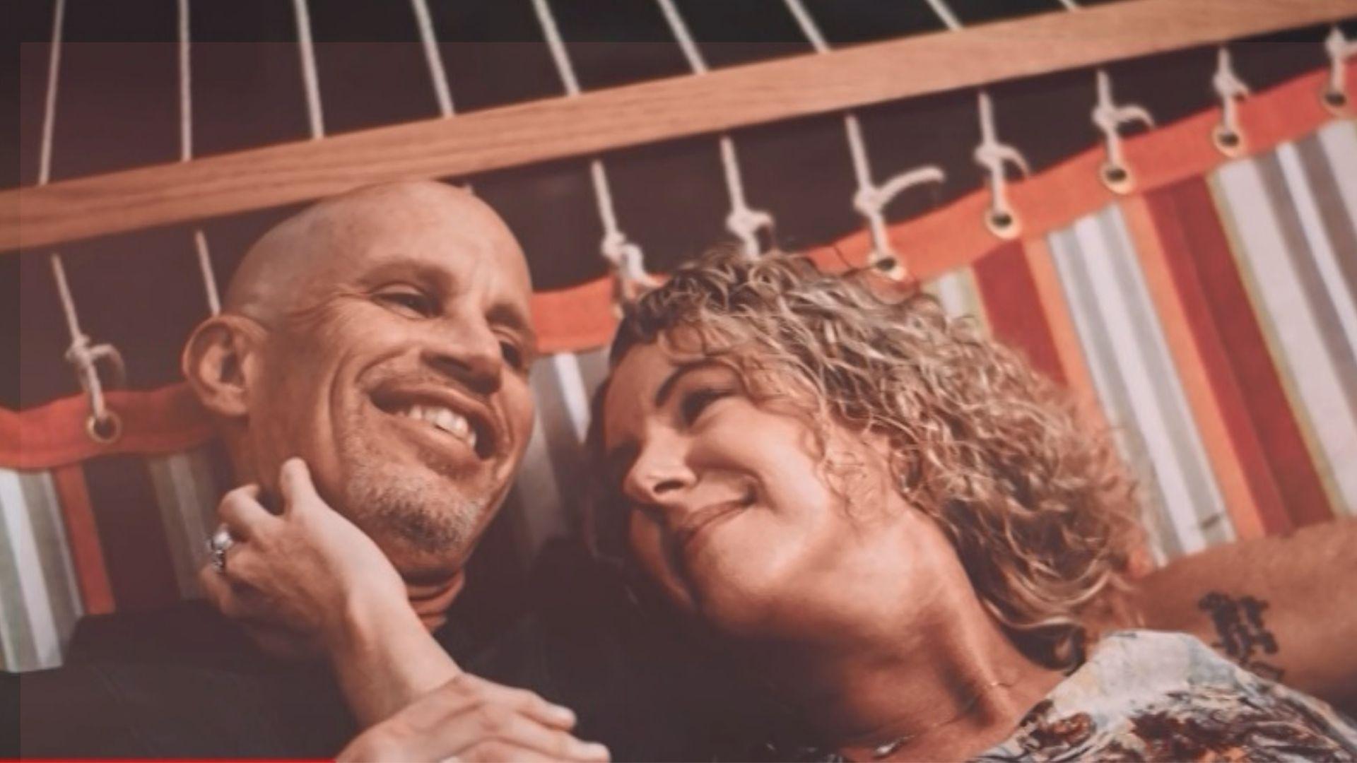 Diagnosticado com Alzheimer em 2018, Peter esqueceu de momentos especiais, comemorações, viagens, amigos e também da esposa. Foto: Reprodução/CNN