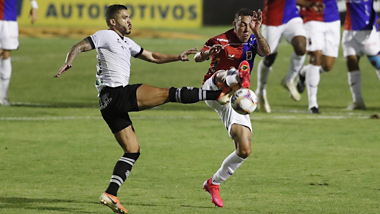 Paraná teve queda brutal de produção nos últimos jogos. Foto: Albari Rosa/Foto Digital/UmDois.