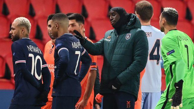 Jogadores abandoaram jogo após acusação de racismo. Foto: AFP.