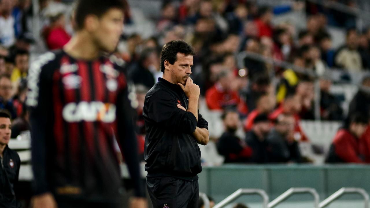 No Athletico, Diniz não conseguiu executar ideias de jogo. Foto: Henry Milleo/Arquivo/Gazeta do Povo