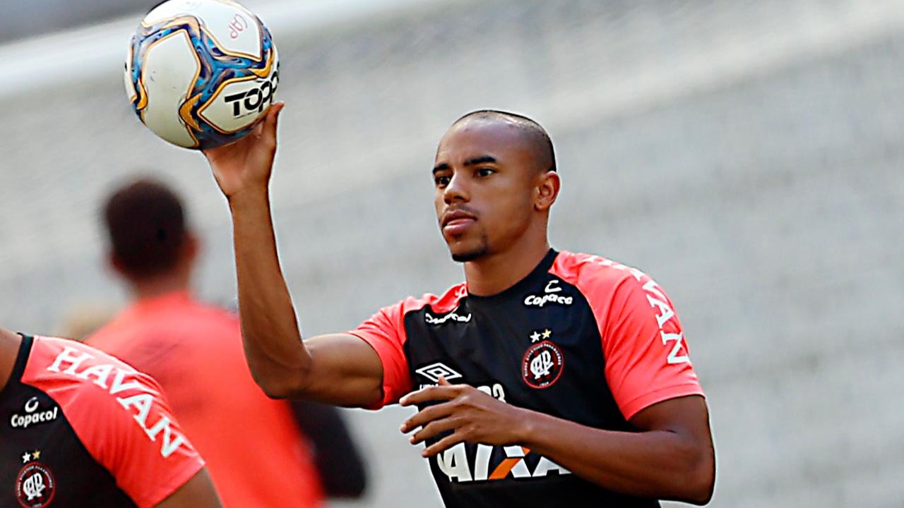 Reginaldo foi muito mal quando teve chances no Athletico. Foto: Albari Rosa/Arquivo/Gazeta do Povo