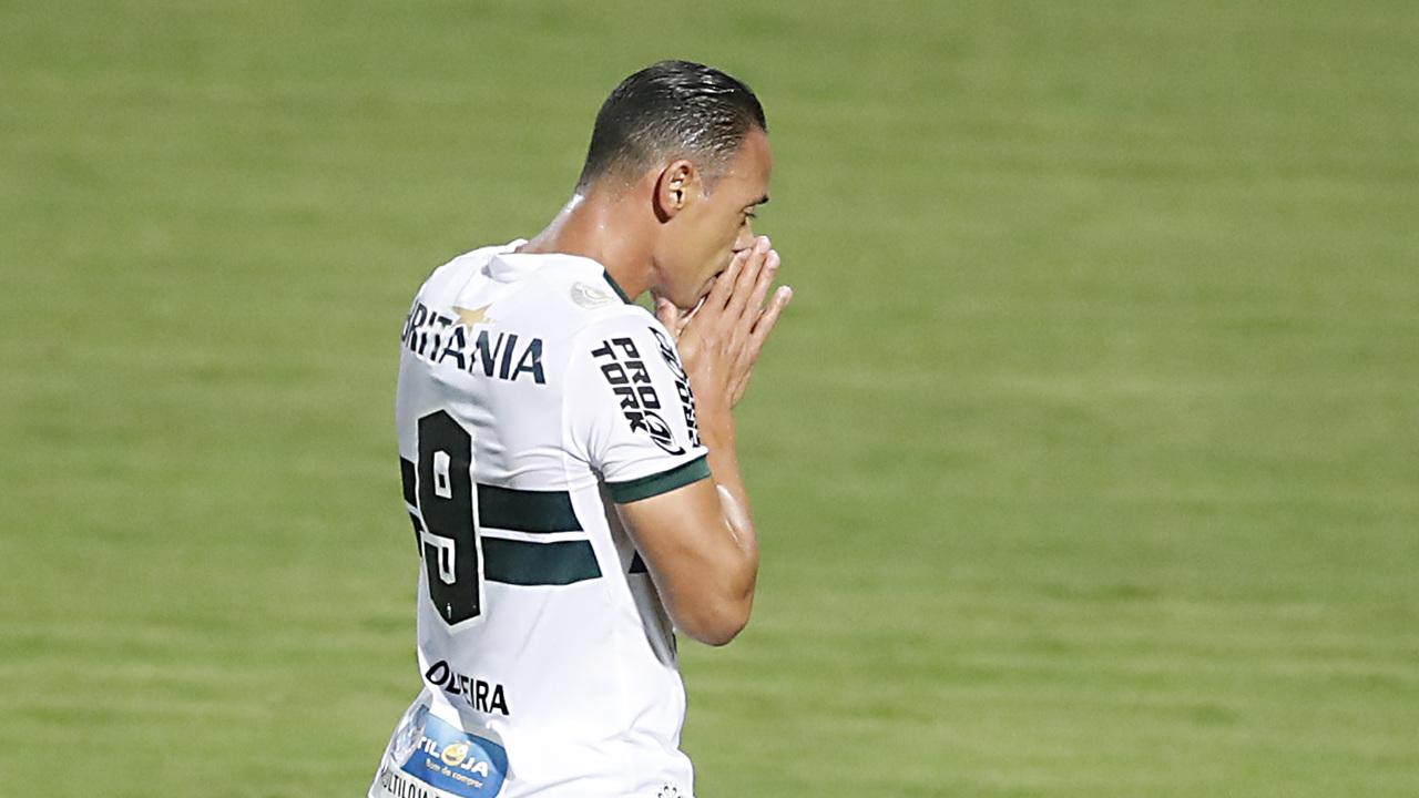 Em 17 jogos, Ricardo Oliveira marcou apenas um gol e ficou abaixo do esperado. Foto: Albari Rosa/Foto Digital/UmDois Esportes