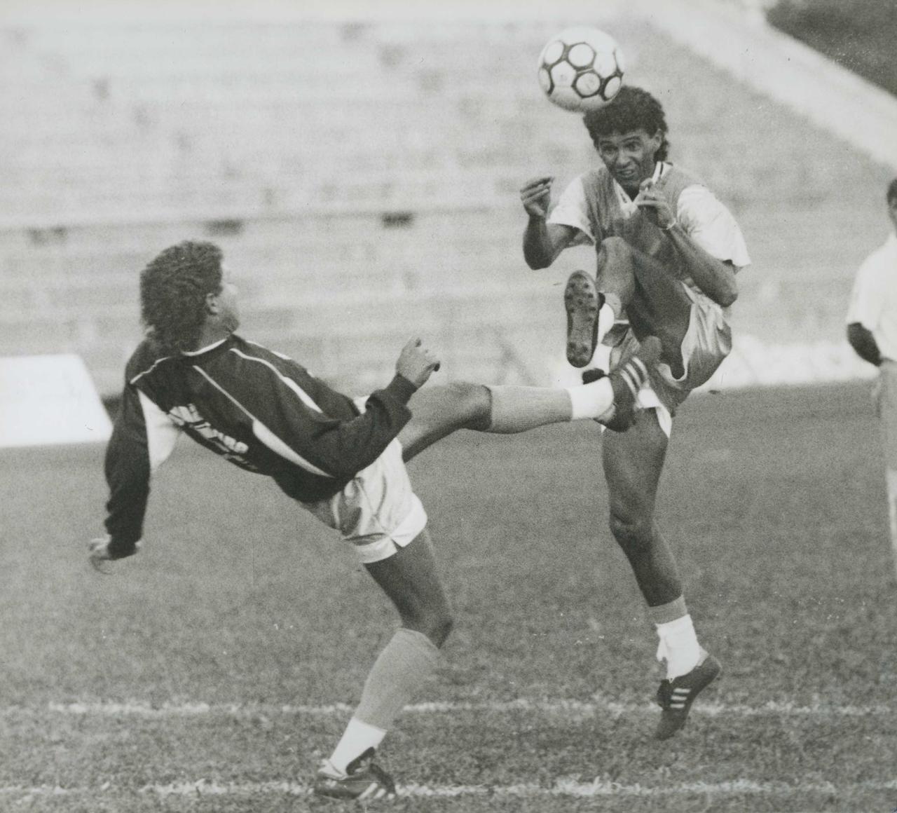 Adoílson na década de 90 em treino pelo Paraná. Foto: Arquivo/Gazeta do Povo.