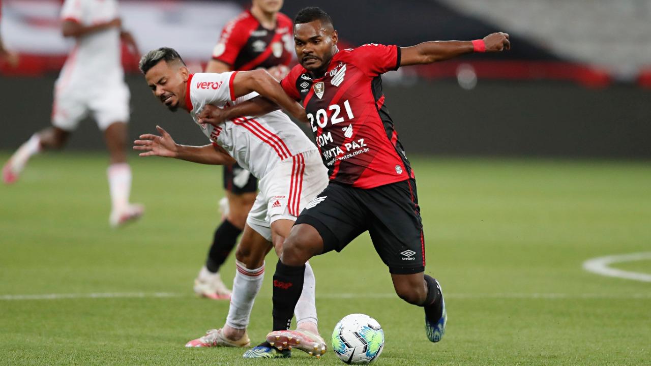 Athletico ficou em 10º como mandante no Brasileirão