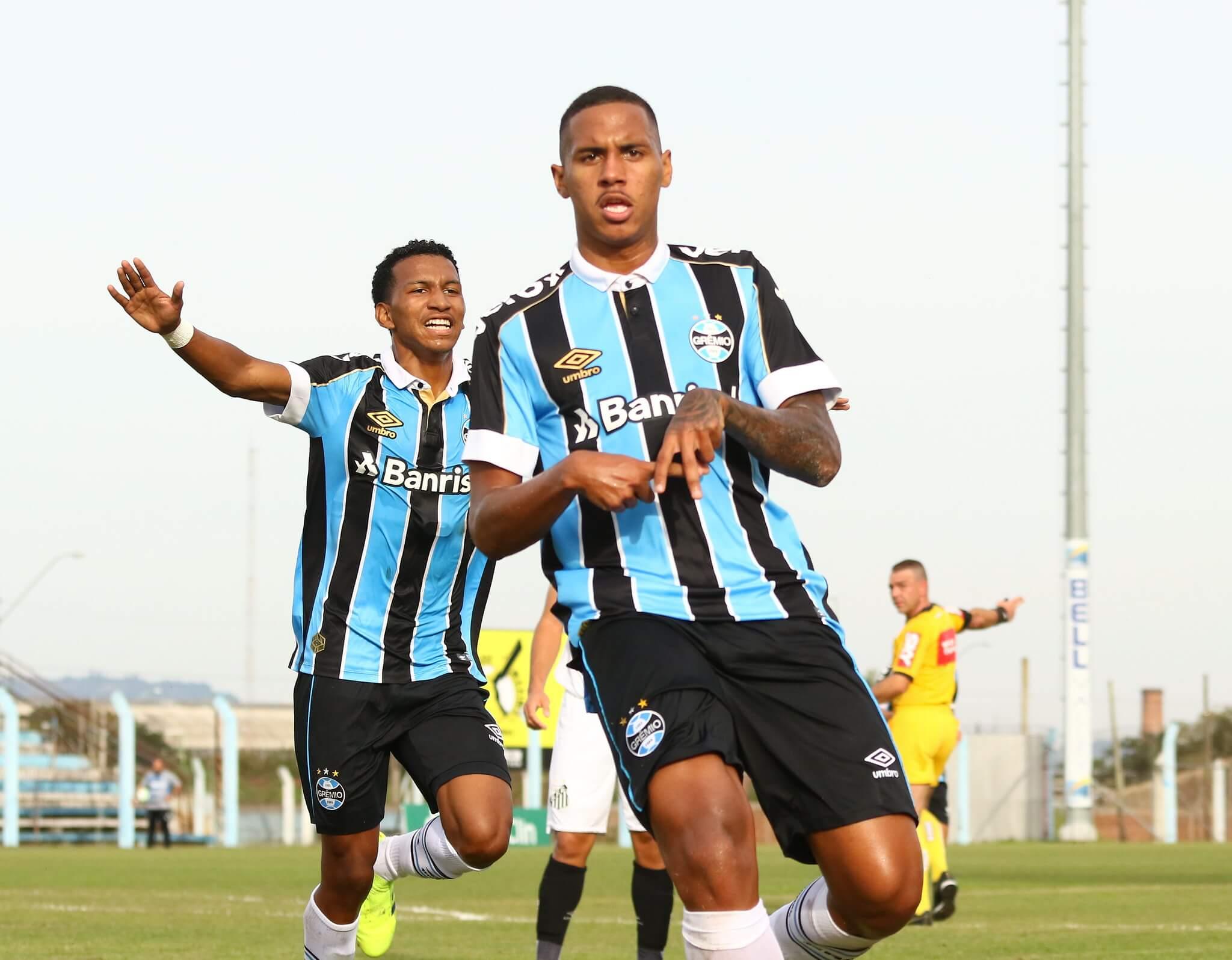 Da Silva é uma das revelações da base gremista.