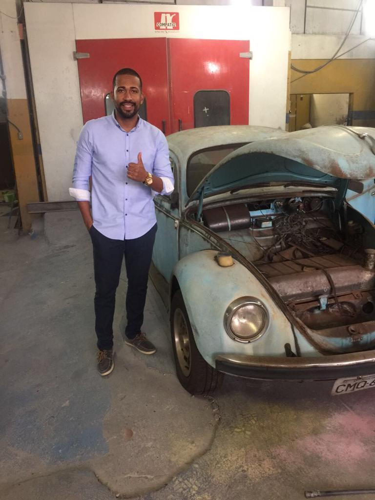 O empresário Camargo Júnior providenciou a reforma do fusca azul, carro do pai do jogador (Arquivo Pessoal)