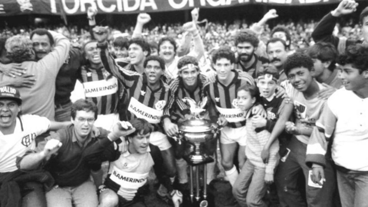 Athletico, então Atlético-PR, comemora título estadual de 1990, do fatídico gol de Berg. Foto: Arquivo/GRPCOM