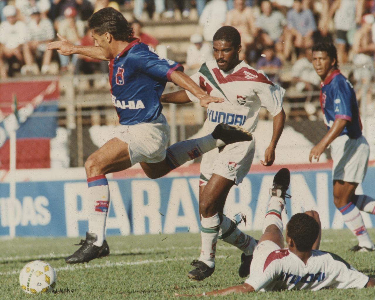 Maurílio em ação pelo Paraná em 1995. Foto: Antonio Costa/Arquivo/Gazeta do Povo.
