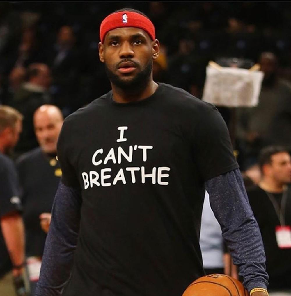 """""""Não consigo respirar"""", protesto de LeBron em 2014."""