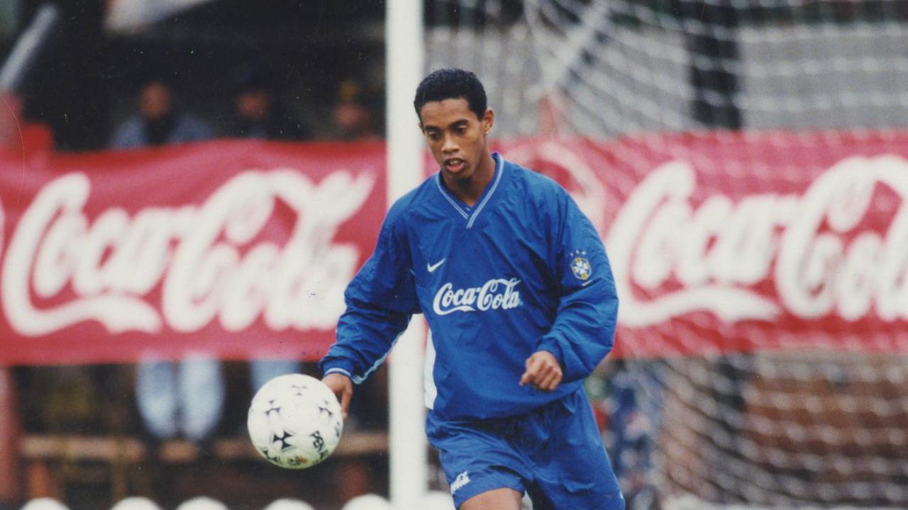 Ronaldinho em treino da seleção em 1999. Foto: Antônio Costa/Arquivo/Gazeta do Povo