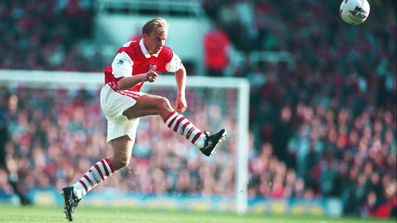 Bergkamp elevou o futebol ao estado de arte. Foto: Reprodução