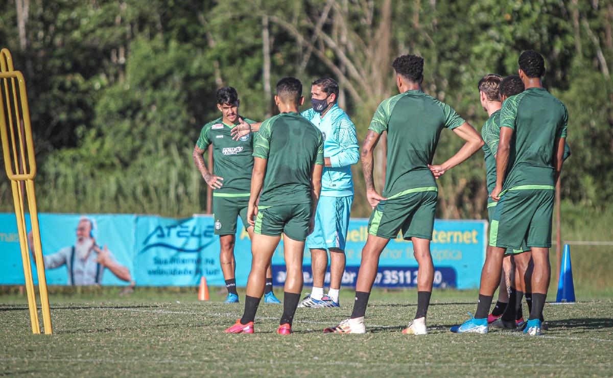 Gustavo Morínigo, em treino do Coritiba em Joinville
