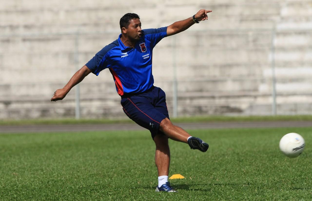Saulo no comando do time em 2008. Foto: Arquivo/Gazeta do Povo.