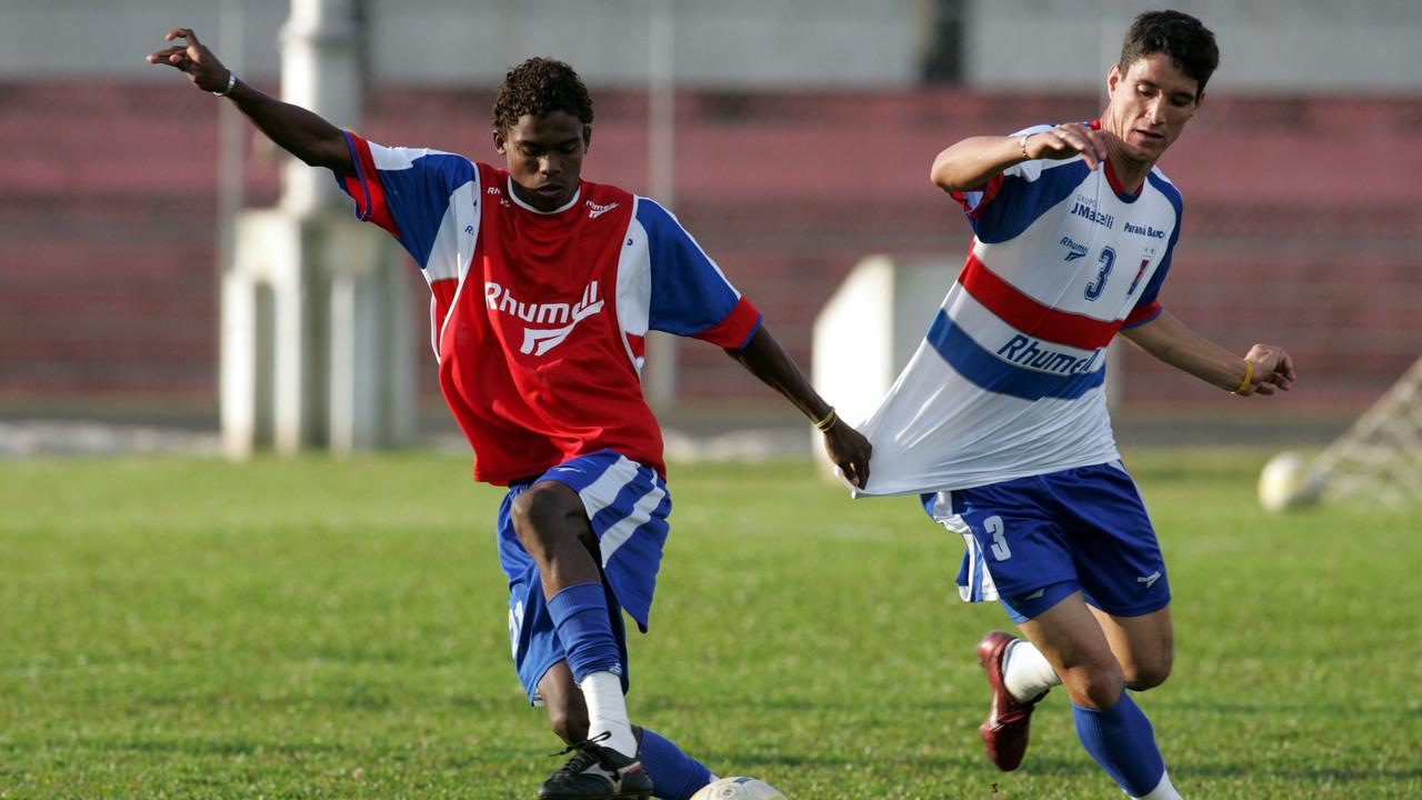 Thiago Neves e Maicosuel em treino. Foto: Valterci Santos/Gazeta do Povo