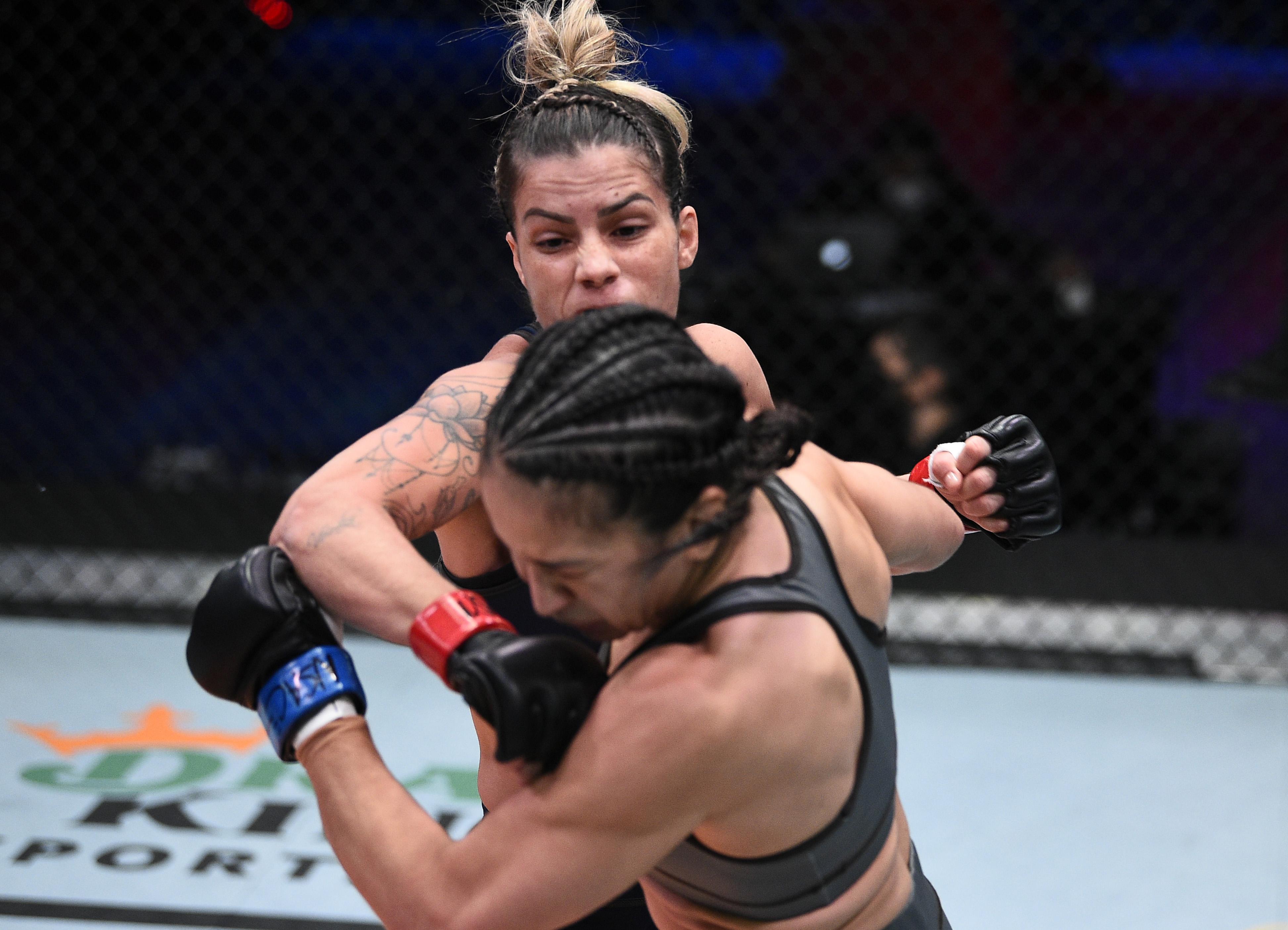 Luana Pinheiro em ação no Contender. Foto: Divulgação/UFC.