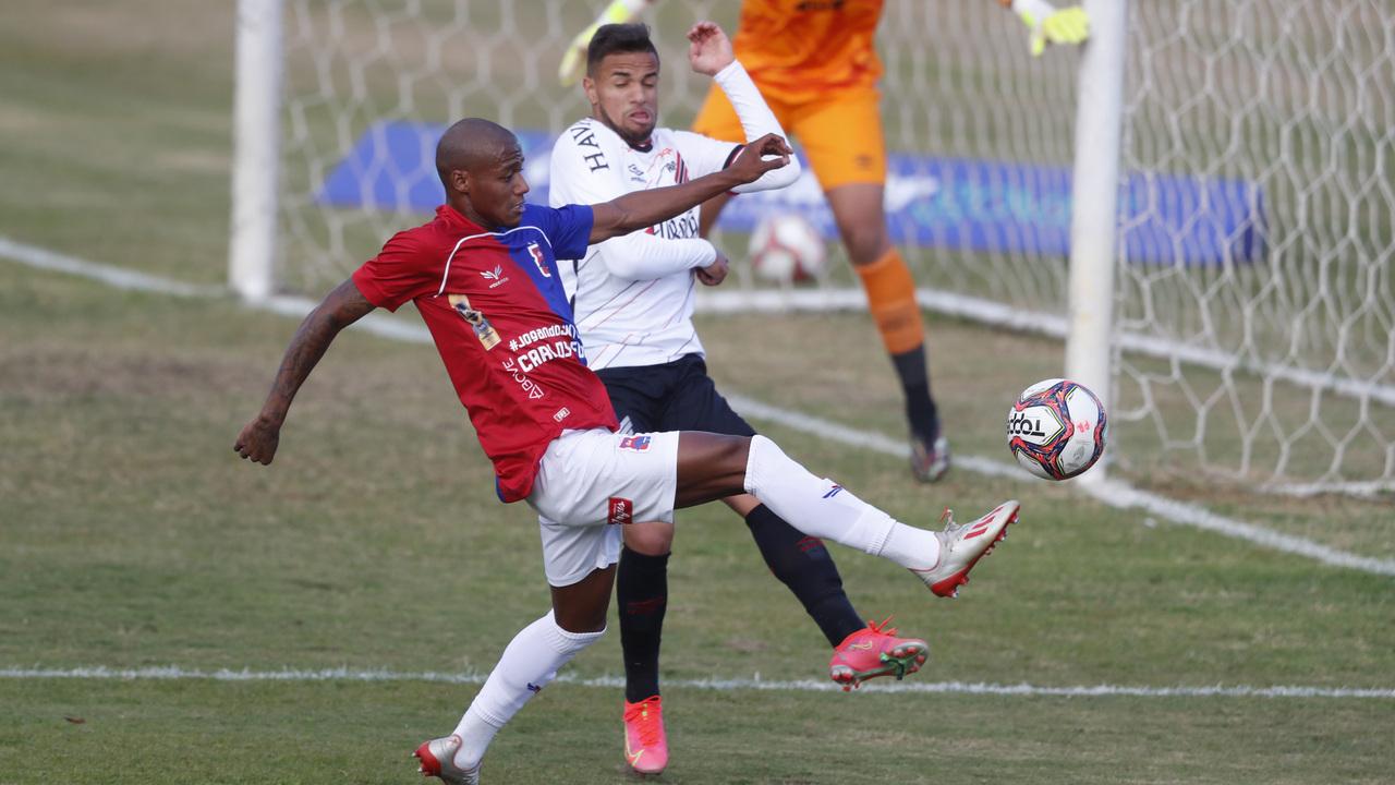Thiaguinho é um dos destaques do Paraná. Foto: Albari Rosa/Foto Digital/UmDois Esportes