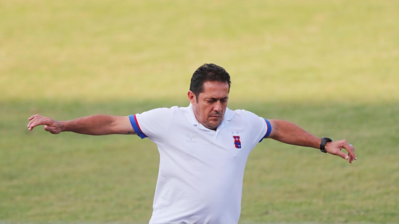 Maurílio no duelo contra o Rio Branco. Foto: Albari Rosa/Foto Digital/UmDois Esportes.