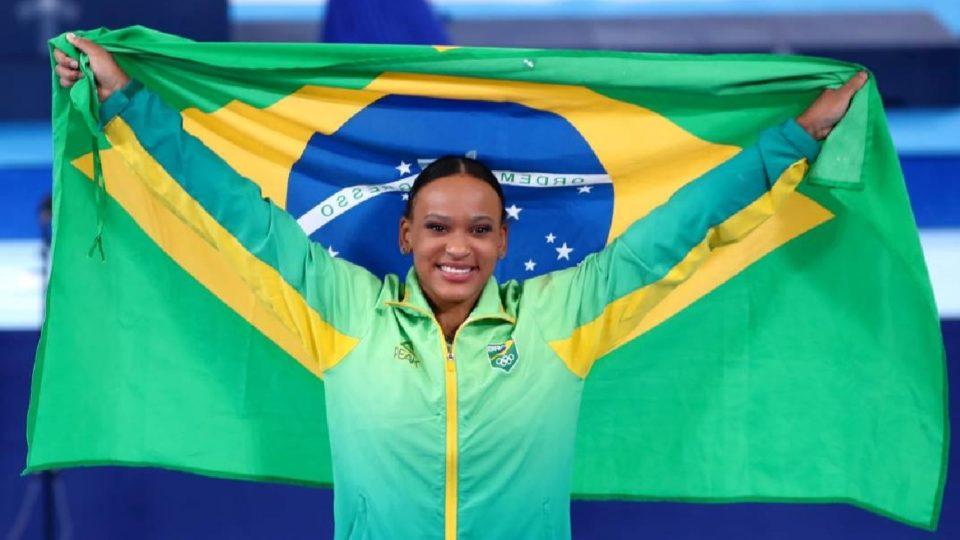 Rebeca Andrade conquista medalha de ouro no salto
