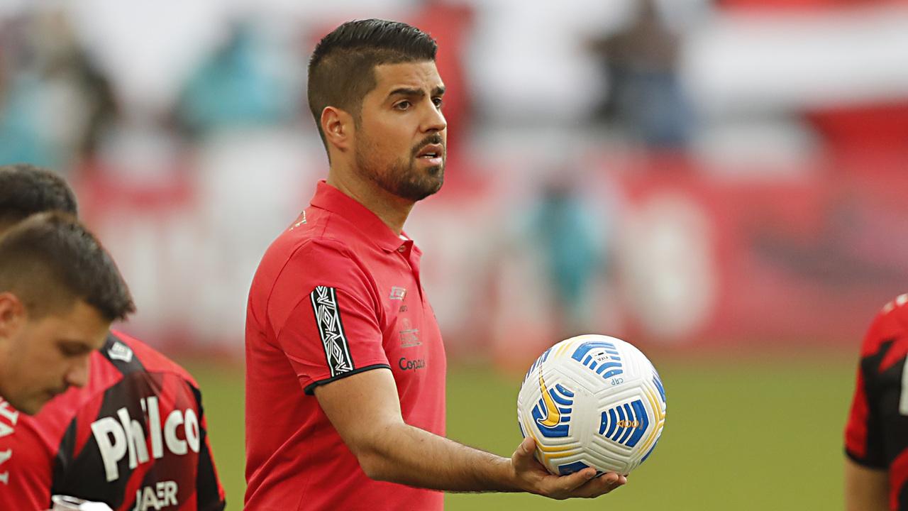 António Oliveira, técnico do Athletico
