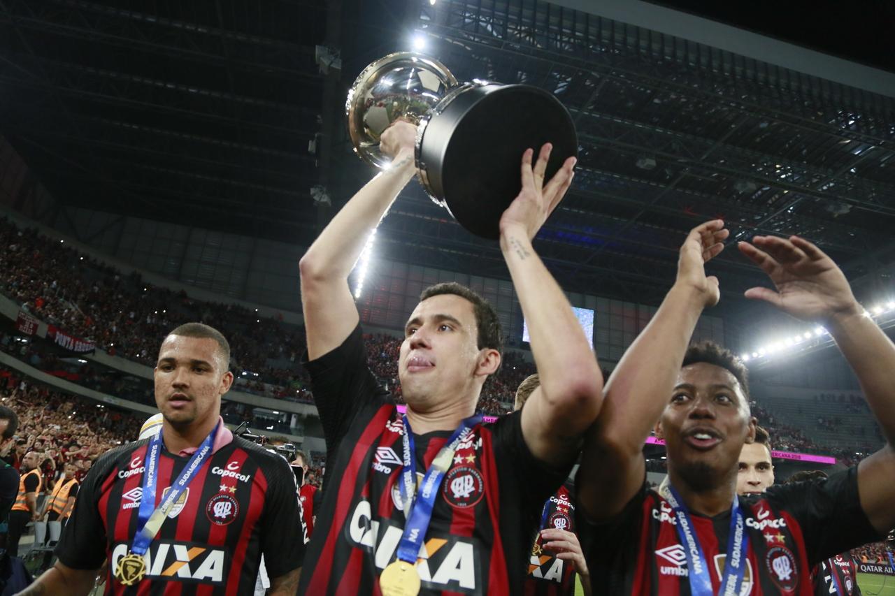 Zé Ivaldo fazia parte do elenco do título de 2018 e segue no clube, enquanto nomes como Pablo e Wellington foram para outros times no Brasil.