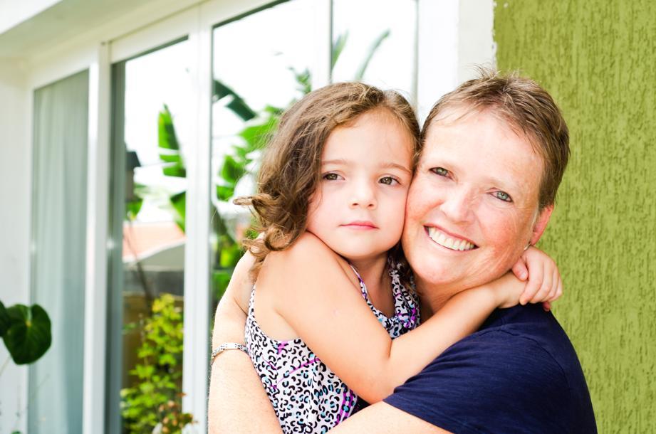 A ex-supervisora financeira Clarissa Scheer Ruoso, 49 anos, largou o emprego numa multinacional para cuidar das filhas. Foto: Fred Kendi/Gazeta do Povo