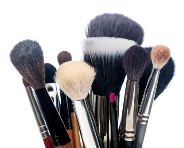 Como lavar pincéis de maquiagem corretamente?