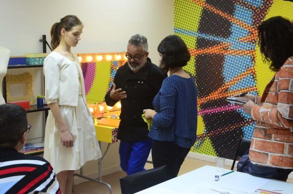 Amanda e Ronaldo durante o desenvolvimento da coleção