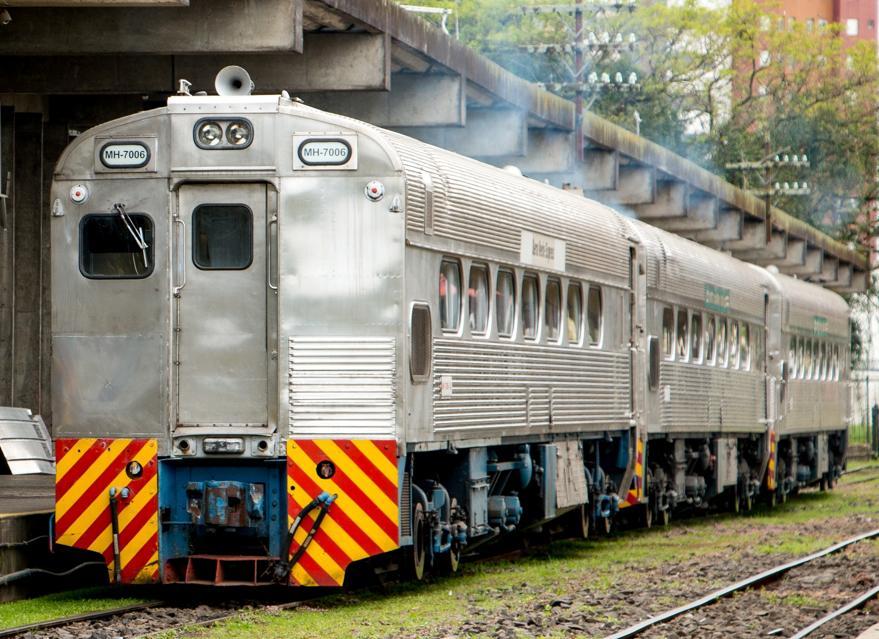 As litorinas têm motor próprio, diferente dos trens convencionais. Foto: Eloá Cruz/Gazeta do Povo