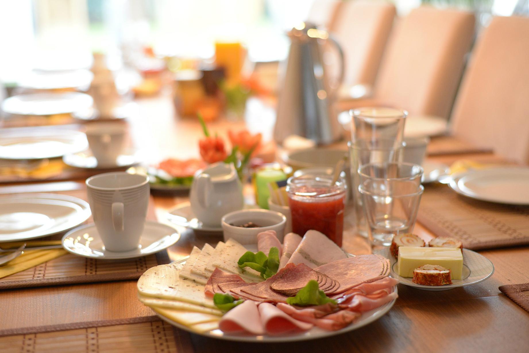 Café da manhã é a nova tendência para casamentos