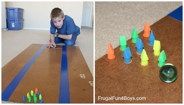 Boliche caseiro é fácil de fazer e pode entreter as crianças por horas (Foto: Reprodução BuzzFeed)